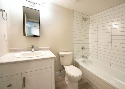 Rivergate-Apt-507-Bathroom-174-HR