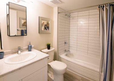 Rivergate-Apt-514-Bathroom-031-HR