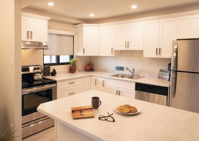 Rivergate-Apt-514-Kitchen-090-HR
